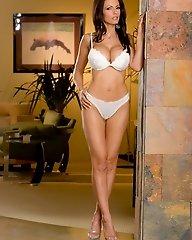 Catalina Cruz pulls off her juicy thong